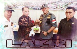KETUA DEWAN PEMBINA DPN LEMBAGA ANTI KORUPSI REPUBLIK INDONESIA Ir. R HAIDAR ALWI (BAJU BATIK)